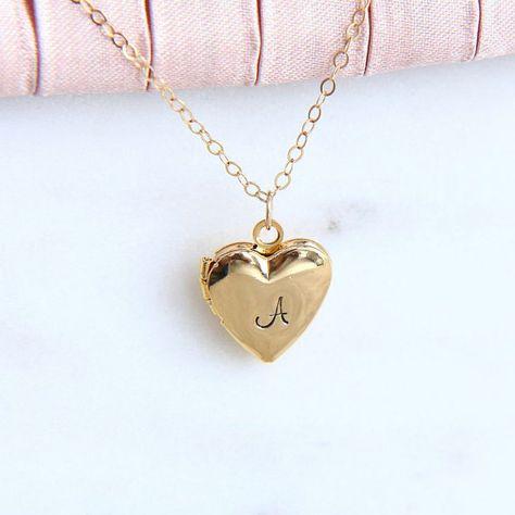 Gold Heart Locket Necklace Nz unlike Jewellery Ke Photo lot Old Fashioned Locket And Key before Gold Locket Necklace Vintage minus Jewellery Gold Tops