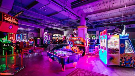 It's hidden inside an old-school pawn shop and filled with vintage prizes, alcoholic bubble teas and old-school arcade games. Old School Arcade Games, Travel Photographie, Arcade Room, Deco Restaurant, Roller Rink, Dream Mansion, Fun Days Out, Retro Arcade, Neon Aesthetic