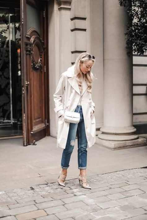 Keep your style classic yet casual like @josieldn with a pair of boyfriend jeans #fashionblogger #bloggerstyle #boyfriendjeans #DPdenim