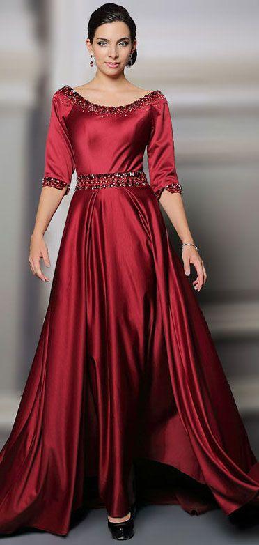 Robe de gala rouge longue en satin soyeux rouge bourgogne