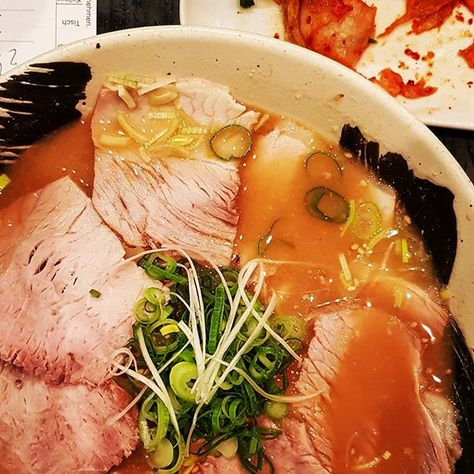 """[new Blog post!] Super yummy Chashu (pork belly) Ramen at Naniwa in Düsseldorf. A couple of weeks ago I joined a pretty popular German cooking show and made it to the second place. I really liked some of my fellow candidates, so a little reunion took place yesterday, at last without camera 🍻🍻 . A biiiiig """"thank you!"""" goes out to all you guys (and @madvillain19 for tjis one!) with your Düsseldorf recommendations and restaurant suggestions - I will probably work on that list for the next couple of years 🤣😍 . Oh, and in case you wonder about #dasperfektedinner - there's a brand new blog post linked in my BIO 😉 . #ramen #chashu #charsiu #porkbelly #noodles #nudelsuppenparadies #duesseldorf #asianfood #umamiboost #kimchi #soup #eatingallthetime #spicyfood #naniwa #dasperfektedinner #newblogpost"""