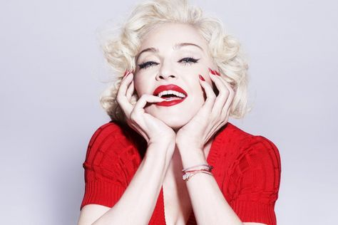 Madonna Postpones Residency in New York After Knee Injury - AccelerateTv