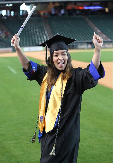 A Matter of Degrees: Gators Graduate During 2017 Commencement Weekend