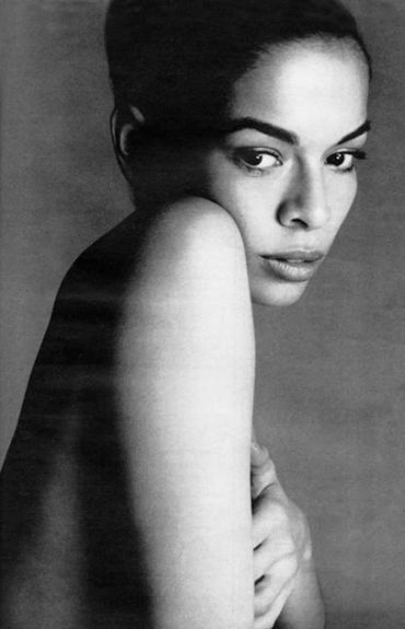 Portrait Session - Rare and Fabulous Photos of Bianca Jagger - Photos