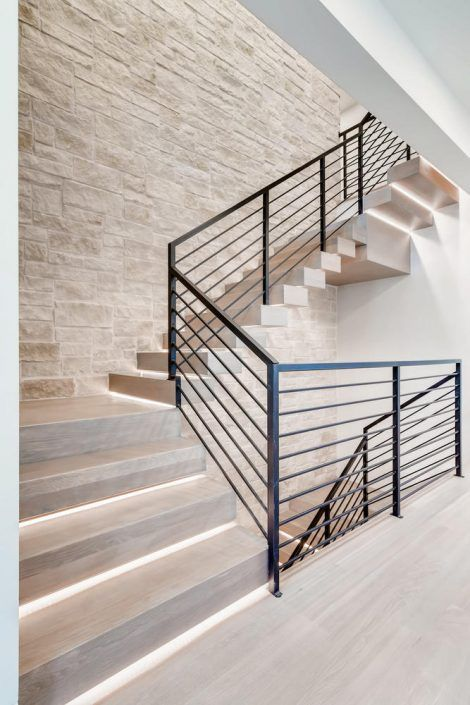 Modern Staircase With Black Railing Modern Staircase Modern Stairs Staircase Design Modern