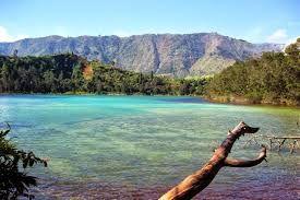 Lake Wallpaper In Indonesia Di 2020 Danau Indonesia Dunia