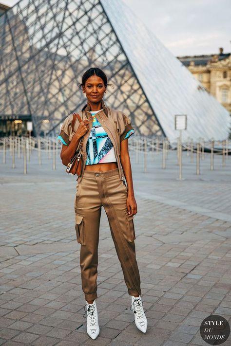 7cf88418e24f Paris FW 2019 Street Style: Liya Kebede (STYLE DU MONDE)   faldas y ...