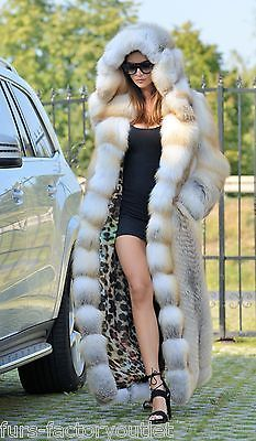 ~~ Fur in excellent condition, Lining New! ~~ High Quality, massive and heavy coat ~~.