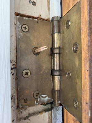 How To Fix A Sagging Door Doors Door Handles Door Hinges