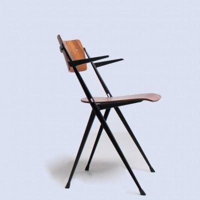 Recently Sold Pyramid Dinner Chair From The Fifties By Wim Rietveld For Ahrend De Cirkel 13139 Mit Bildern Hering