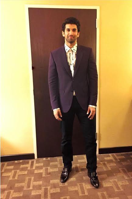 Aditya Roy Kapur, Dream Team tour, Houston, USA, Aliaa Bhatt, Katrina Kaif, Parineeti Chopra, Sidharth Malhotra, Varun Dhawan, Karan Johar, Dream Team, Celeb Fashion, Mens Fashion, Mens Wear, Suit style, Style, Fashion, Mens styling