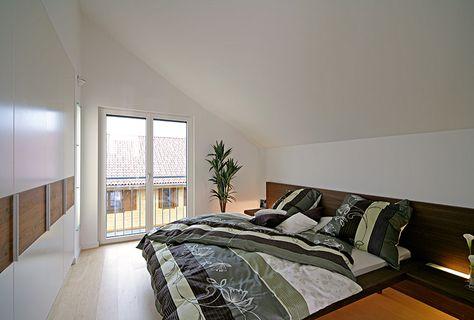 Schlafzimmer mit großer Fensterfront Fertighaus Pultdach - kleines schlafzimmer fensterfront