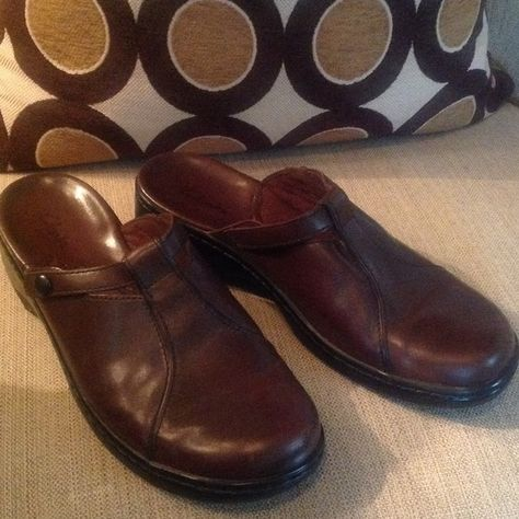 2c1af639b19 Selling this BROWN CLARK S SLIP ON SHOES! in my Poshmark closet! My  username is  mrschi.  shopmycloset  poshmark  fashion  shopping  style   forsale  Clarks ...