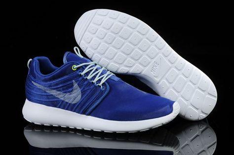 cheap for discount f8811 7bd3e Chaussure de Course Nike Roshe Run Dyn FW Femme Bleu Blanc Couple  FS123