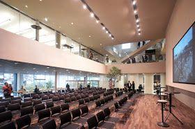 小堀哲夫による Niccaイノベーションセンター イノベーション 照明 デザイン パブリックスペース