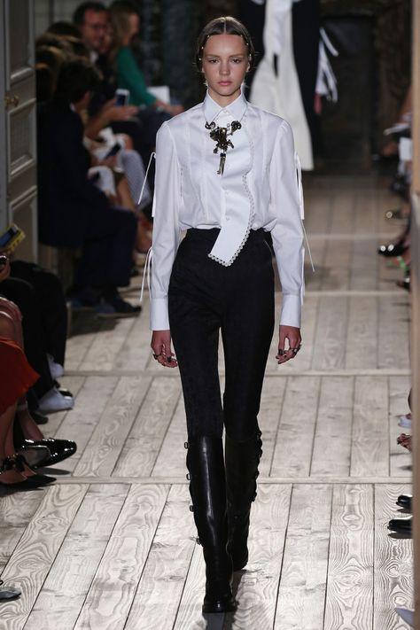 Valentino   Haute Couture - Autumn 2016   Look 3