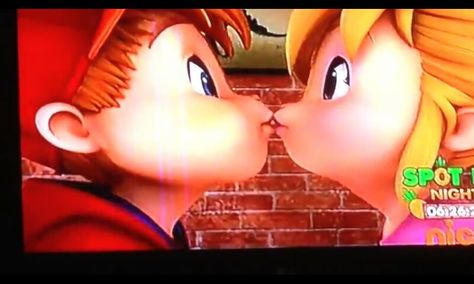 Alvin And Brittany Kiss Amazing True By Axident Of Course