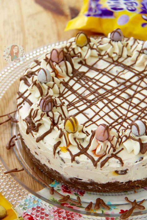 No-Bake Mini Egg Cheesecake!! The perfect Cheesecake for Easter.