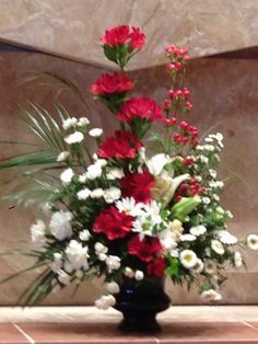 27 Ideas For Flowers Arrangements For Church Altar