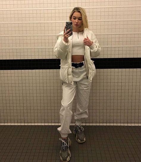 "Fvith on Instagram: ""#allnude #casualstyle #fashioninspo #ootd #favfit #newfan #balenciaga"""