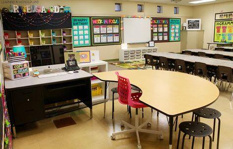Classroom Tour - Learning In Wonderland 4th Grade Classroom Setup, New Classroom, Classroom Design, Classroom Decor, Teacher Desk Decorations, Kindergarten Classroom Layout, Classroom Cubbies, Stars Classroom, Classroom Libraries