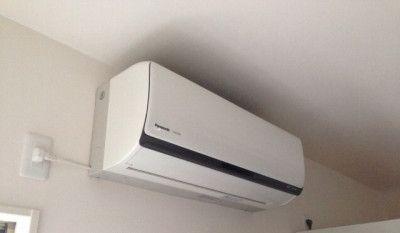 室内のエアコン取り付け位置だけでなく 室外機 の置き場も大切です 失敗しない間取り相談 新築 リフォーム 間取りアドバイザー 坂口亜希子 エアコン 取り付け エアコン 室外機
