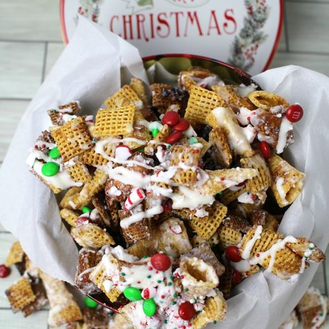 it was time to mash up two of my favorite things chex mix and peppermint and make this way too addictive chex mix christmas crack