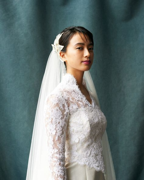 White Bridal Veil-Ivory Veil-Ivory Veil-White Wedding Veil with comb Cathedral Wedding Veil Chapel Wedding Veil 3D Flowers