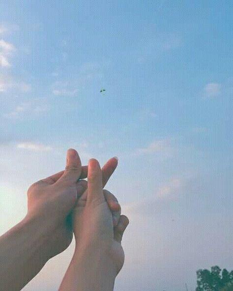 - Cre: Everywhere (Everywhere: v) - ▶ Follow me? - ▶ Follow me? - Pinterest: Lam Cam Duyen - - - #Couple