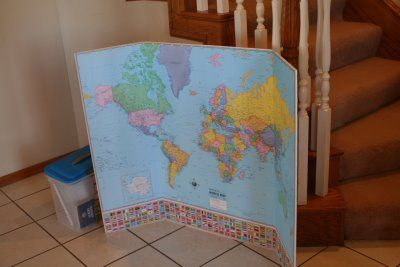 World And US Map On TriFold Board Homeschooling Geography - Us map fold