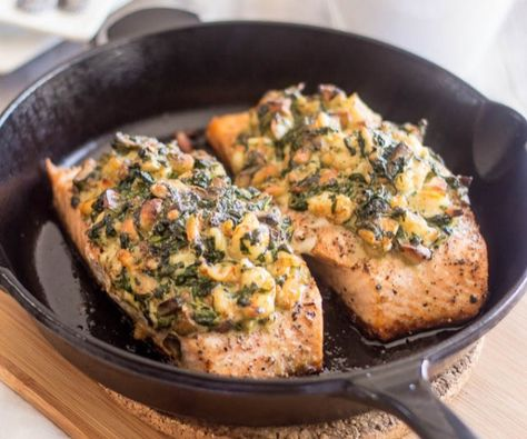 This Stuffed Salmon is so good and looks so elegant, no one will ever know just how quick and easy it was to make! http://stalkerville.net/ #paleo