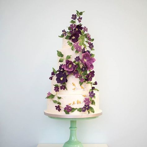 Colorful Shades of Purple Floral Cake