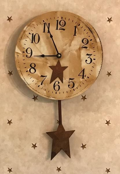 Star Clock With Pendulum Rust Farmhouse Country Primitive Clock Primitive Homes Primitive Decorating Primitive Decorating Country