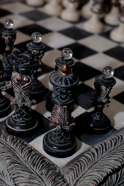I like playing chess. These are cool chess pieces. Yennefer Of Vengerberg, Slytherin Aesthetic, Damier, Chess Pieces, 3d Prints, Ravenclaw, Narnia, Dragon Age, Board Games