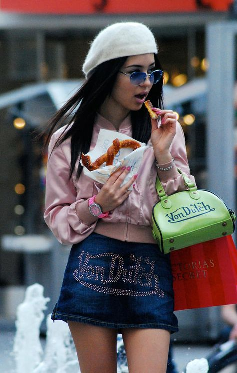 New fashion trends and outfits for teens and young women in spring and summer 2019