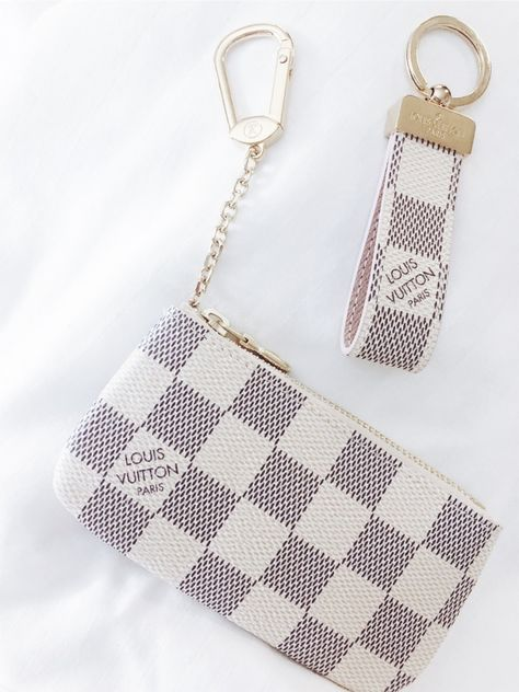 Louis Vuitton Coin Purse and Wristlet Louis Vuitton Coin Purse, Louis Vuitton Keychain, Louis Vuitton Handbags, New Car Accessories, Girly Car, Cute Wallets, Cute Purses, Cute Bags, Luxury Bags