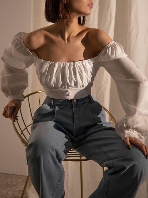 LICHI - Online fashion store :: Square-neckline puff sleeve blouse