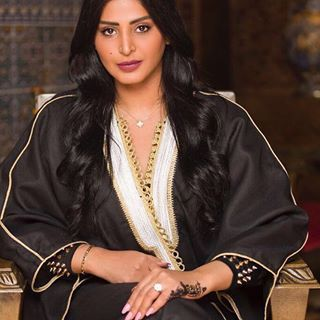 بشت من ذاكرة Thakerah Est Fashion Muslim Fashion Womens Fashion