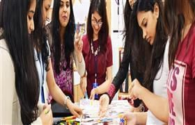 Are You Looking For A Fine Fashion Designing Course To Be A Designer Classboat Com Offers The Be Fashion Designing Course Fashion Design Classes Fashion Design