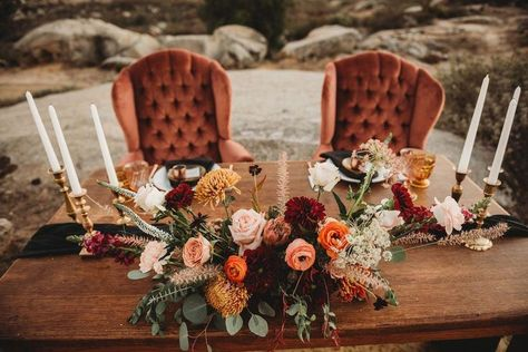 Copper & Gold Montana Boho Wedding Inspiration – Kyrsten Ashlay Photography 6 Photographed by Kyrsten Ashlay Photography this Autumnal bohemian wedding scene is giving us all the warm, fuzzy Fall feels. Wedding Scene, Wedding Day, Wedding Hacks, Dream Wedding, Wedding Quotes, Wedding Tables, Fall Color Wedding, Outdoor Fall Wedding Reception, Indoor Fall Wedding