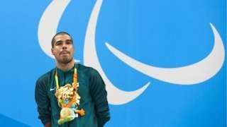 Image copyright                  Getty Images Image caption                                      El nadador Daniel Dias es el deportista paralímpico más laureado de Brasil                                A Brasil y México les va mejor en el medallero de los Juegos Paralímpicos que en los Olímpicos. ¿Por qué?  La respuesta fácil es porque hay más medallas en juego debido la cantidad de clasificaciones y versiones de la misma prueba que