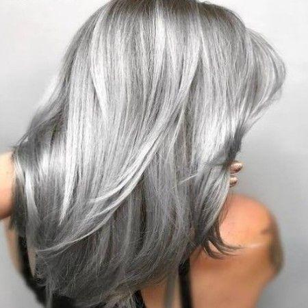درجات لون صبغة رمادي غامق اشقر و بلاتيني الانواع و طريقة الصبغ صبغة رمادي صبغة لوريال Platinumblonde Platin Silver Hair Color Hair Styles Grey Hair Color