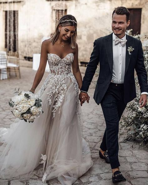 Wonderful Perfect Wedding Dress For The Bride Ideas. Ineffable Perfect Wedding Dress For The Bride Ideas. Long Wedding Dresses, Tulle Wedding, Bridal Dresses, Wedding Dress Beach, Wedding Ceremony, Modest Wedding, Bridesmaid Dresses, Wedding Reception Dresses, Wedding Table