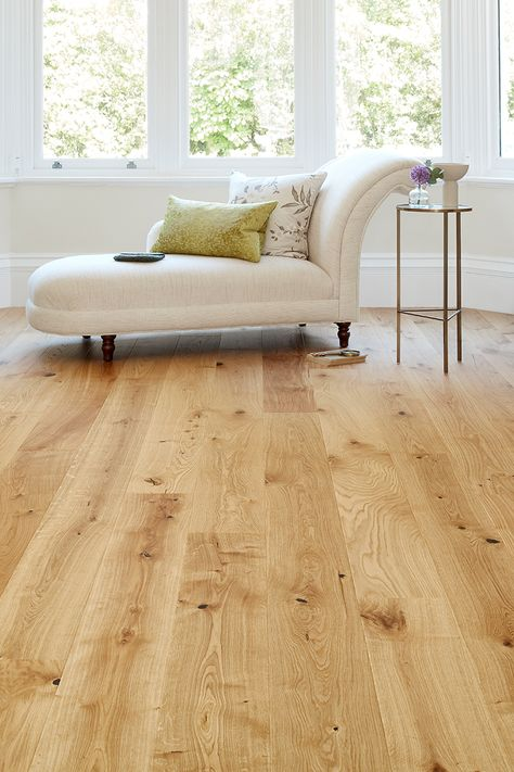Showcasing the striking organic beauty of oak at its natural best, Home Choice Engineered European Nature Oak Flooring 14mm x 180mm Cinnamon Grande Oiled is ideal for anyone looking to give their living room (or any other room) a laidback, traditional look. The extra-long length planks will give a refined look in medium to large rooms, enhancing the feeling of space. #flooring #floors #open #floor #plans #engineered #real #wood #hardwood #living #room #period #rustic #blonde #natural #oak