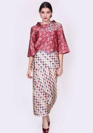 43 Model Baju Batik Cantik Untuk Pesta Paling Unik