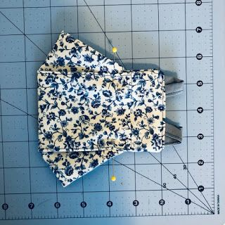 Sewing Hacks, Sewing Tutorials, Sewing Crafts, Sewing Projects, Fabric Origami, 3d Origami, Easy Face Masks, Diy Face Mask, Mascara 3d