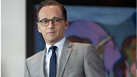 Die Protokoll-Affäre schlägt hohe Wellen! Justizminister Heiko Maas (49, SPD)…