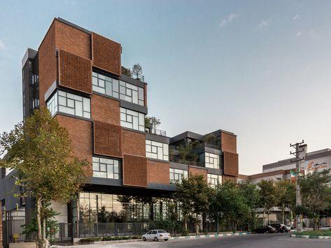 CinnaGen Pharmaceutical Company / Modaam Architects
