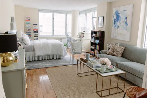 14 Fabulous Rustic Chic Bedroom Design and Decor Ideas to Make Your Space Special - The Trending House New York Studio Apartment, Tiny Studio Apartments, Studio Apartment Layout, Studio Apartment Decorating, Cool Apartments, Apartment Interior Design, Studio Layout, York Apartment, One Bedroom Apartments