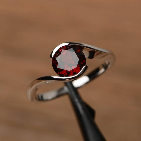 Genuine Gems Round Faceted Garnet Ring Solid Silver Red Garnet Genuine Gems Ring Home /& Living Good Selling Shops Gift for Christmas Day Statement Jewelry